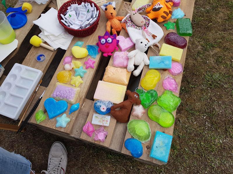 Фестиваль в Ботаничеком Саду: сувениры изготовленные Гостями Центра