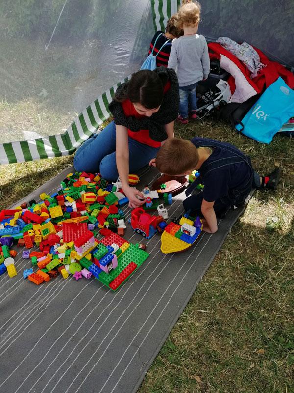 """День независимости: сборка """"Лего"""""""