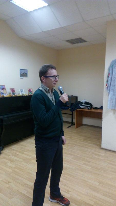 Вадецкий Андрей исполняет свой творческий номер