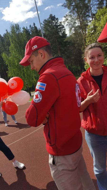 Лидер: волонтеры на празднике